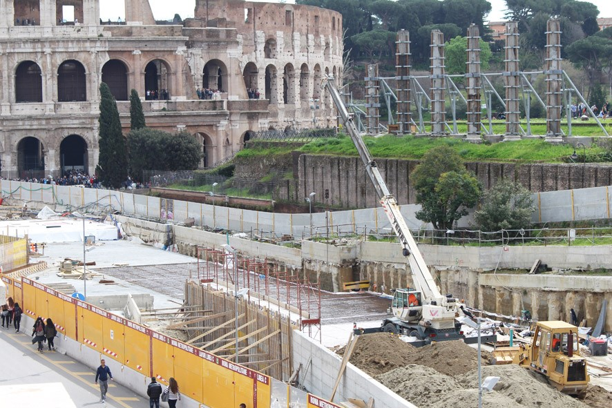 Construction of the roof covering of the station and protection interventions on the Tempio di Venere
